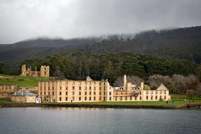 W Tasmania_wiki